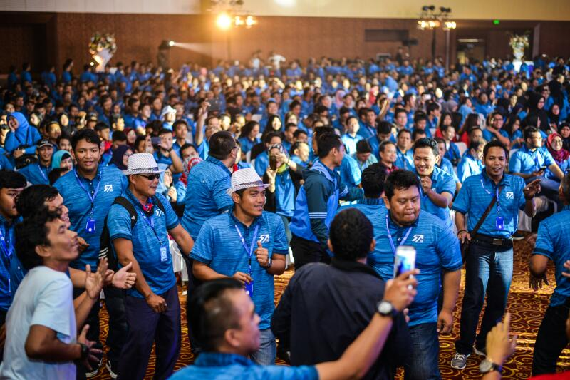 WIKA Successfully Holds Employee Gathering for 3.000 persons.