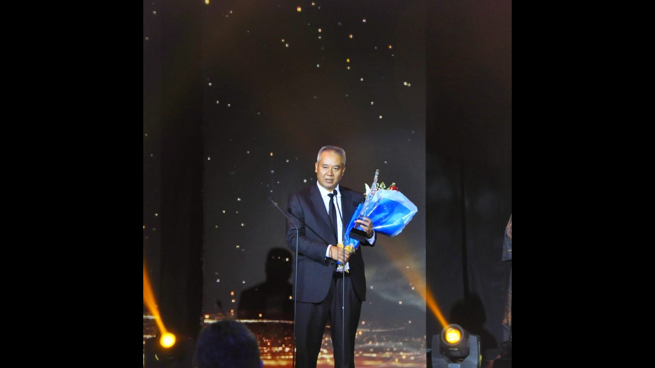 WIKAs President Director become CEO of the Year by Metro TV
