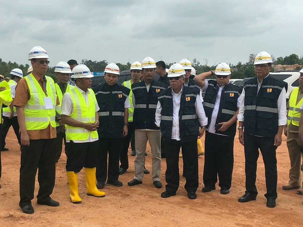 Minister of Public Works and Housing Visits Sei Gong Dam, Riau